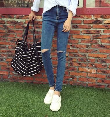 新款韩版牛仔裤女蓝色洗水破洞显瘦提臀弹力百搭女小脚裤批发