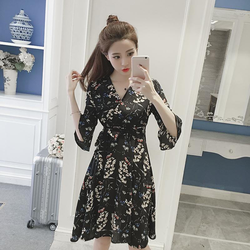 2018夏季韩版新款v领收腰碎花中裙时尚宽松显瘦印花雪纺连衣裙女